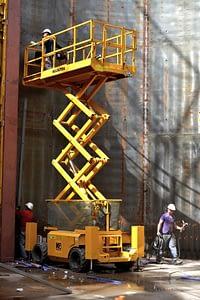 Chantier de construction de la cuve de récupération des eaux pluviales dans la halle F8 © Alexandre Traisnel